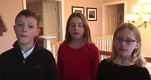 Lang Kids Singing Christmas song