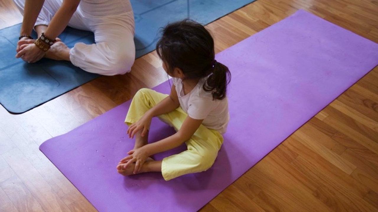 Mummy & Me Yoga - Español