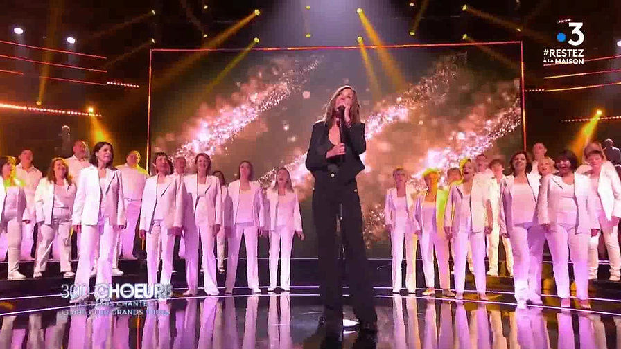 300 choeurs - Les stars chantent leurs plus grands tubes_France 3_2020_04_03_21_09.CUT.44'00-48'05