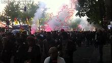 Smoke_above_crowd