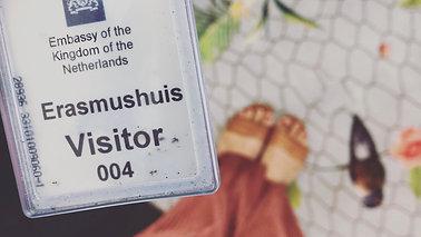 Vlog 8: op bezoek bij de Nederlandse ambassade