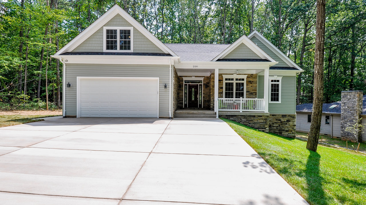 209 Beachside Cove Locust Grove, VA