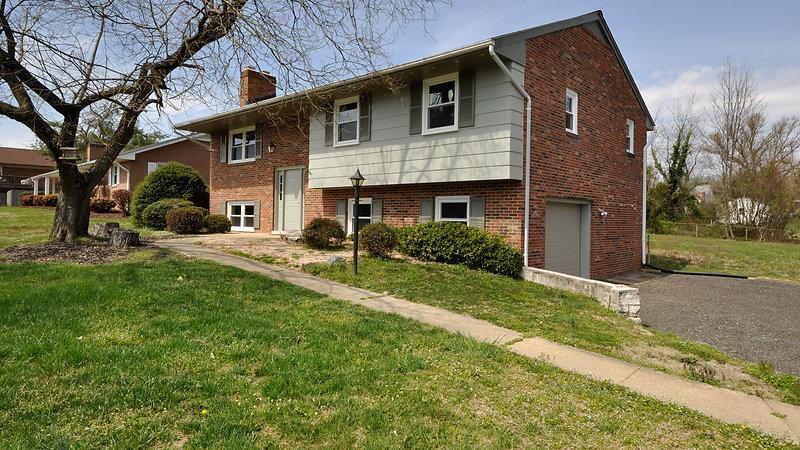 5915 Watson Lane Fredericksburg, VA