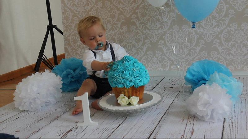 Cake-Smash-Shooting mit Thees