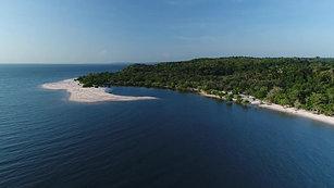 Lindas praias e florestas