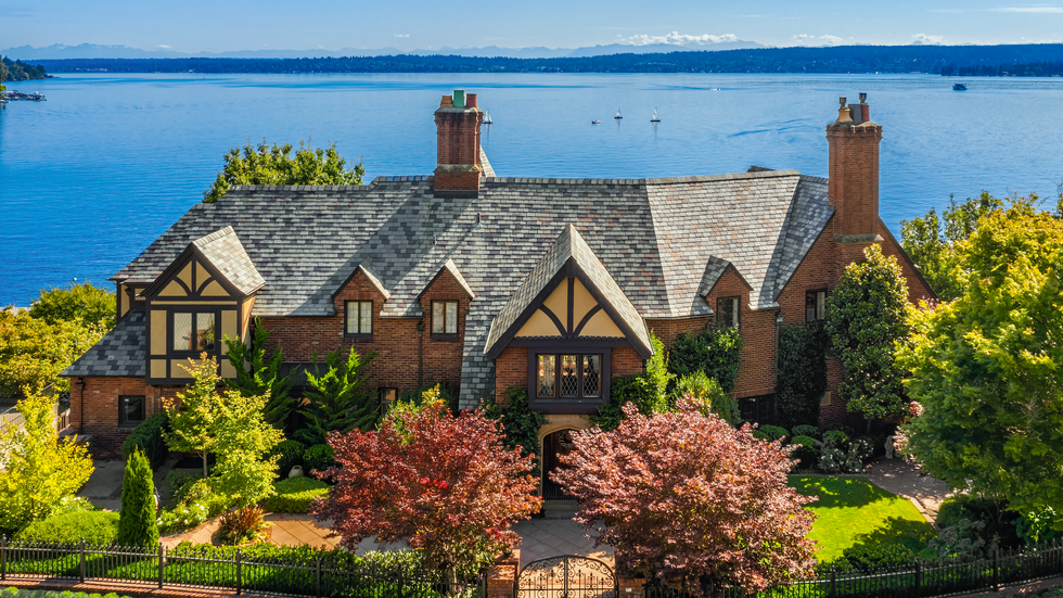 Laurelhurst Waterfront Estate