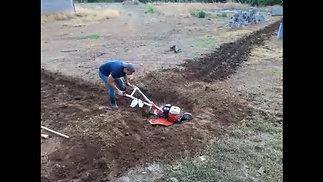 MotoAsador Vikyno Abriendo un Manhole