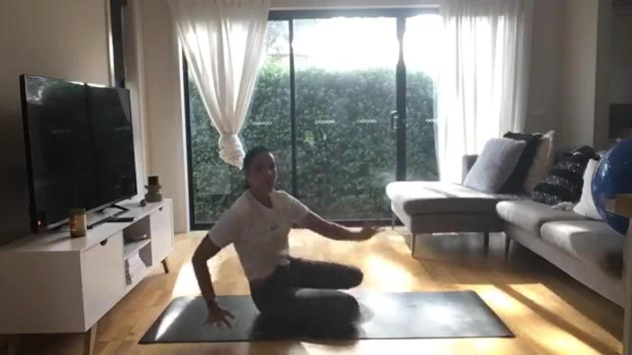 30 Minute Kids Yoga - Bluey eidition (3-6yrs old)