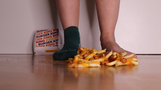 Walking on Chilli Cheese Fries