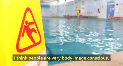 Nude swim club wants more female members - BBC News_4