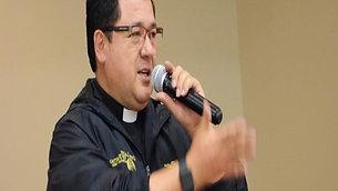 Padre Vicente Agila en el décimo aniversario de la Fundación
