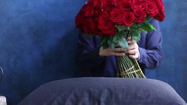 100本のバラ花束制作風景