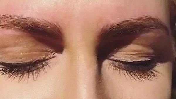 Eyebrows byLinda