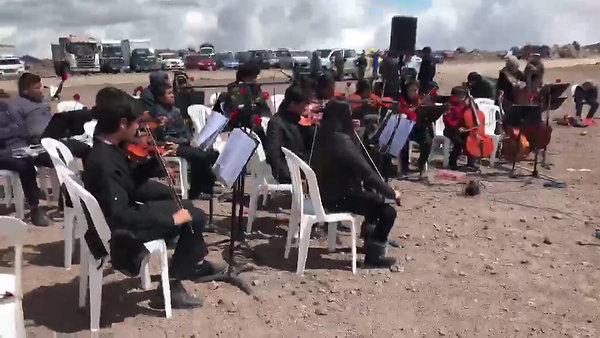 Orquesta a las faldas del Chimborazo