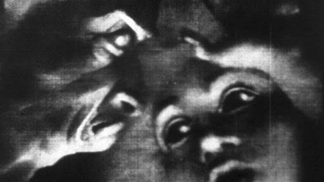 Une nuit sur le mont chauve (1933) / Alexander Alexeieff, Claire Parker