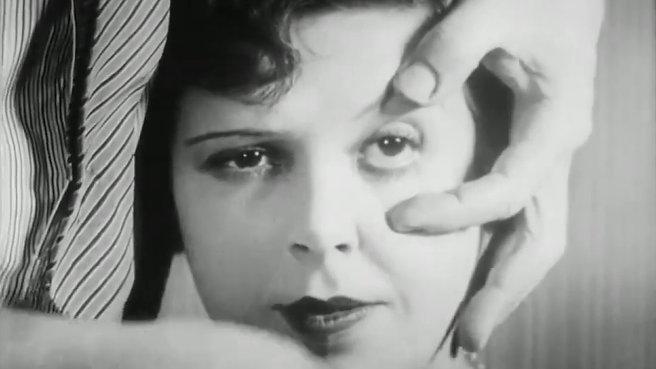 Un Chien Andalou (1929) / Luis Bunuel