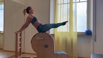 Hip Circles sulla Ladder Barrel