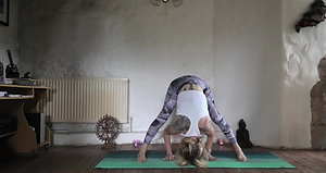 Cathy: Yoga for hamstrings (19mins)