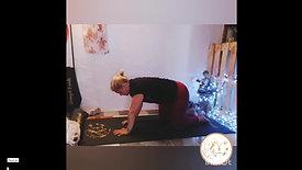 Holly: Gentle Loosening Yoga (31mins) PAYG
