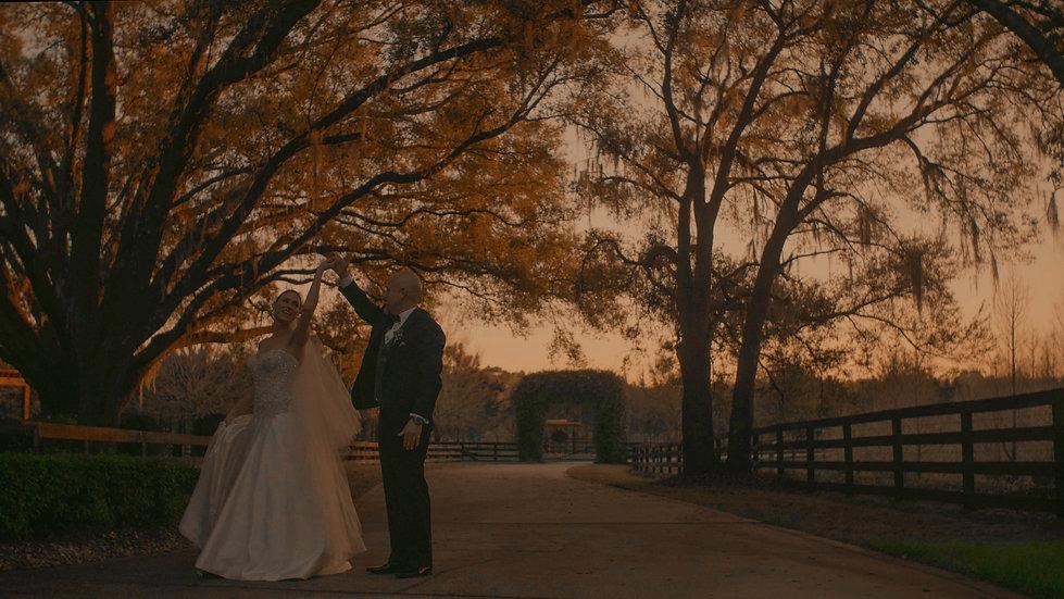 ROMANTIC DANCING COUPLE - Sunset Wedding Film // Club Lake Plantation - Orlando, Florida