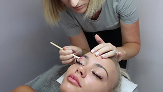 EYEBROW SHAPING - THE LUXE BEAUTY CO