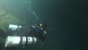 廣西樂業縣大石圍天坑地下洞穴探索