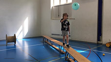 1./2. - balancieren - bank - ballon