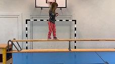kindergarten - balancieren - kasten/bank - spazieren