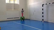 3./4. - balancieren - rolle gross - 1 ball jonglieren2