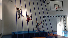 1./2. - kraft - kletterstange - hangeln