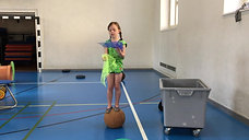 1./2. - balancieren - medizinball - jonglieren