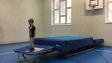 1./2. - springen - trampolin/erhöhte matte - salto rw