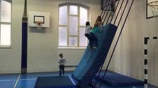 1./2. - klettern - kletterstange/matte - mattenwand