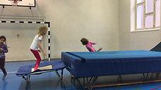 1./2. - springen - trampolin/erhöhte matte - rolle vw