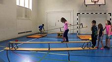 kindergarten - balancieren - bank tief - gehen vw