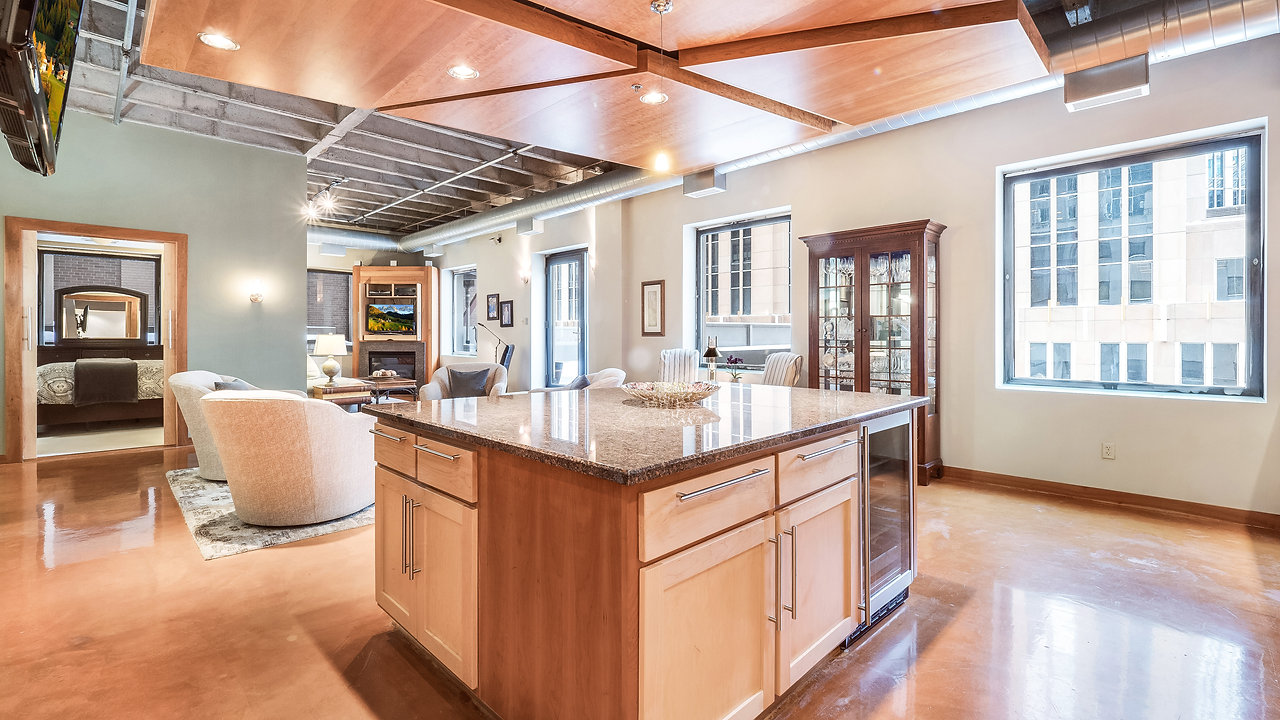 601 Marquette Ave MLS