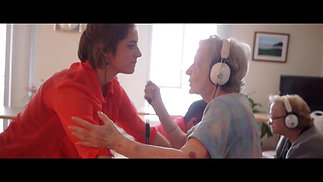 Danser avec des personnes âgées