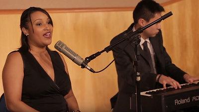 Cerimônia com cantora
