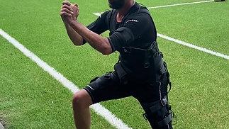 Muskelaufbau für Tennis mit EMS Anzug AQ2
