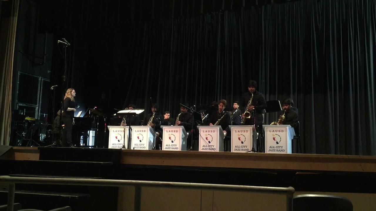 Huntington Park High School Jazz Band: Jumpin' at the Woodside