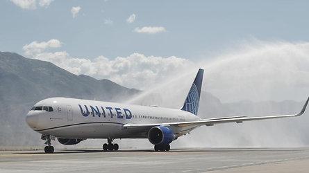 Vodeni pozdrav United Airlinesu na prvom letu iz New Yorka za Dubrovnik