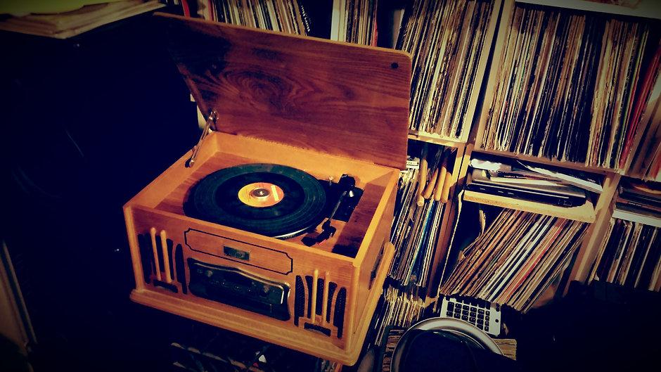 Vinyl Check and Dj sets