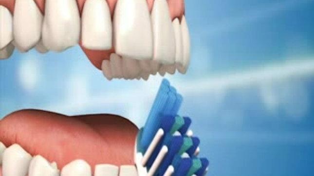Diş fırçalama ve diş ipi kullanımı