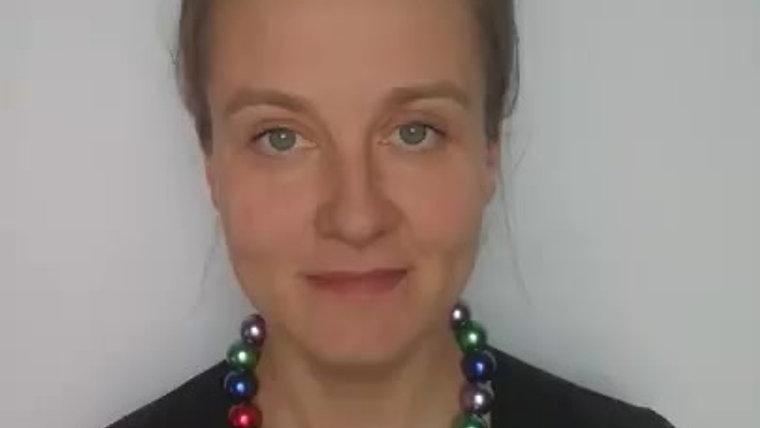 Полина Фомина о вине и абсенте