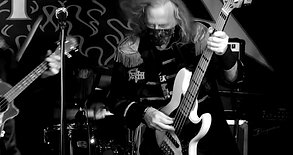 Revol-ooh-tion from Sgt. Hetfield's Motorbreath Pub Band