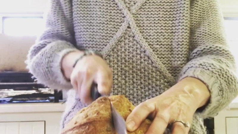 Tips on cutting bread