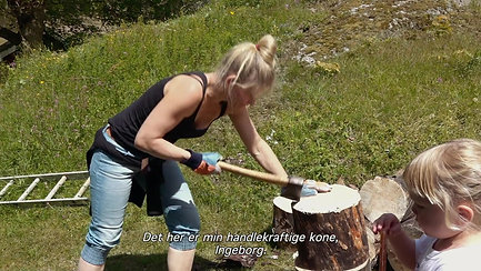 Klip 3 fra filmen: Ingeborg hugger brænde