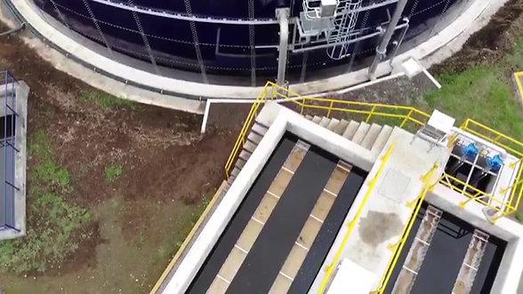 Reactor biológico y sedimentador lamelar