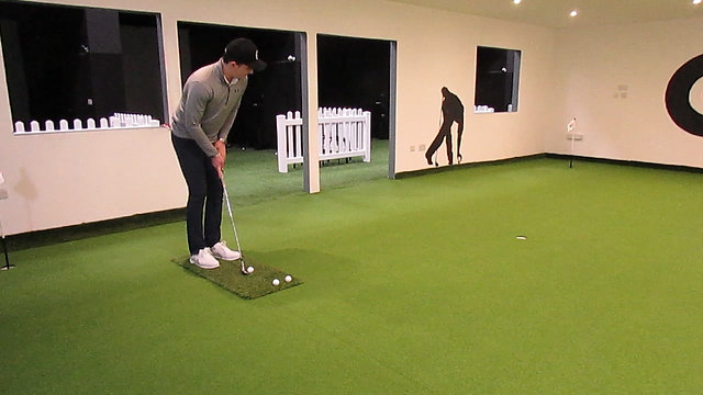 Chipping Around the Green