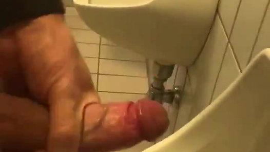 Preview: Bathroom gloryhole cruising